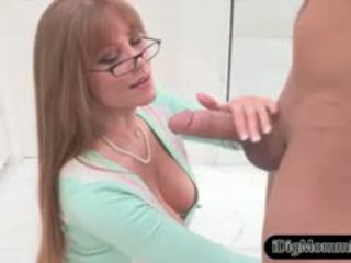 Stepmom Darla Crane Fucking With Teen Maddy Oreilly And BF