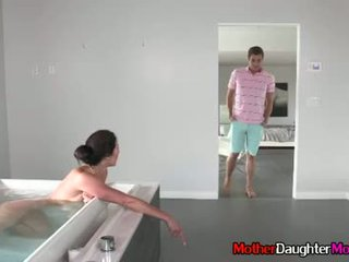 아들 gets busted spying 에 그의 새엄마