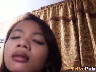 Kimainen filipina aiza on pimped ulos varten seksi mukaan hänen paras ystävä