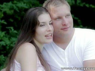 Teeny lovers: romantic 他媽的 在 該 森林