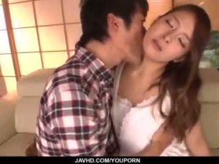 Nana ninomiya, seksi istri, amazes hubby dengan penuh porno