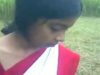 Jaunas indiškas mergaitė boos čiulpimas į the iš doo