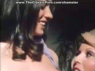 Klassinen porno kanssa two kauniita naiset