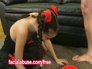 Pequeno fundo throat asiática prostituta loves being shared