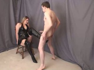 Jenna thigh mare boot ballbusting complet