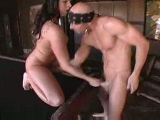 Gianna michaels で boobstravaganza 9