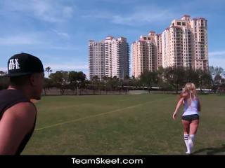 Therealworkout netīras blondīne addison avery veikts mīlestība pēc football treniņš