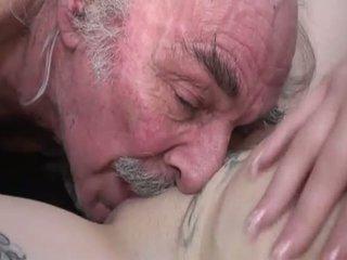 Porner premium: amatoriale sesso film con un vecchio uomo e un giovane sgualdrina.