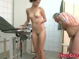 Tanja sucks стар doc пенис