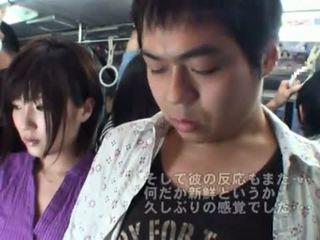 Δημόσιο bj onto ο λεωφορείο γύρω Καυτά ιαπωνικό μητέρα που θα ήθελα να γαμήσω.