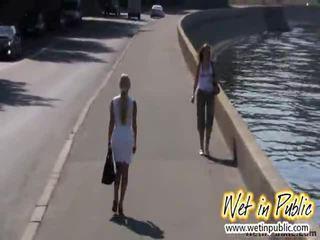 শহর embankment গন wetting