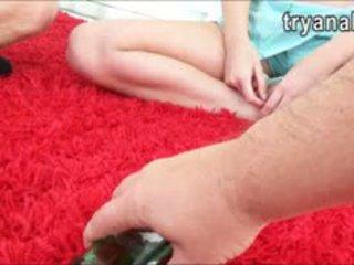 Sladko najstnice punca charli acacia tries out analno seks pri domov