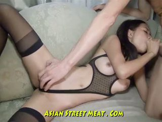 Olho winking tailandesa anal betinha