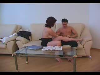 Matang ibu fucked oleh muda budak lelaki (amateur remaja )