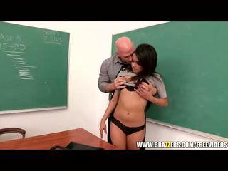جنسي امرأة سمراء طالب asks إلى مساعدة squirting