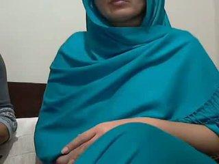 Sexy indické aunty s lover possing ju prsia & p