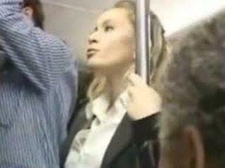 Chica molested en la autobús