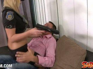 Policewoman 에 작업