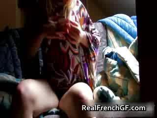 Bigtit 法國人 女朋友 fingers 和 tastes 她的