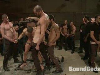Grup arasında kaslı thraldom bonks