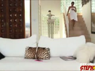 Enorme tetas ada sanchez shares polla a madrastra diamond kitty