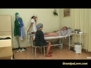 おじいちゃん ベイブ クソ ザ· 看護師