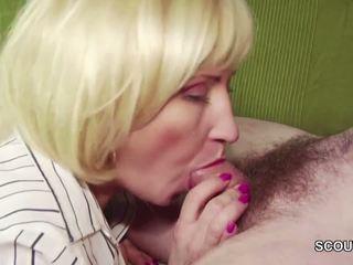 18yr पुराना जर्मन बोए सिड्यूस step-mom masturbation और बकवास