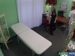 brunetka, ukryta kamera wideo, ukryte płeć
