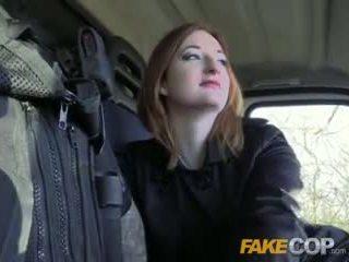 Fake doğal memeler sıcak ginger gets becerdin içinde cops van