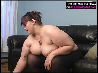 sculele mari, fundul lins, fata porno și bărbați în pat