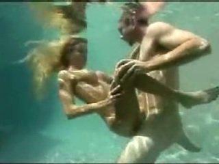 Dalam air seks