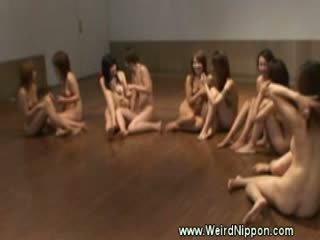 Nackt jap fitnesscenter klasse