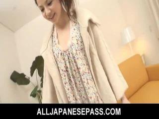 Bushy asiatico giovanissima gets dildo scopata e fed sborra