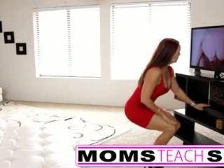 Príťažlivá Mama
