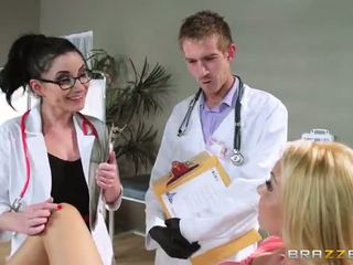 ด้วย aaliyah ความรัก s regular physician retiring เขา