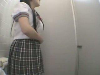 Õpilane keppimine sisse avalik wc