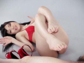 Punainen kenkiä jalkatyöpaikka mukaan japani tyttö