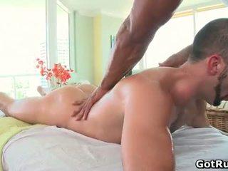 Muscular bald hunk মালিশ dude তারপর