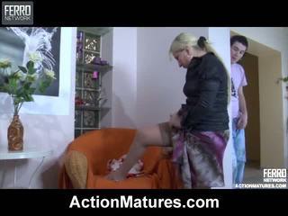 Zmiešať na hardcore sex klipy podľa akcie matures