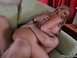 Bigtitted granne, abbey brooks