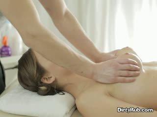 Seks crazed adelle needs ciężko kutas w jej usta