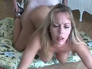 Amber lynn bach gets doggy zajebal & creampied: brezplačno porno eb