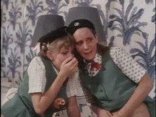 Tüdruk scouts õppima kohta seks