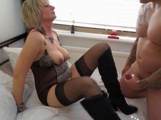 Sexy matura mamă gets sex cuni și sperma, porno d1