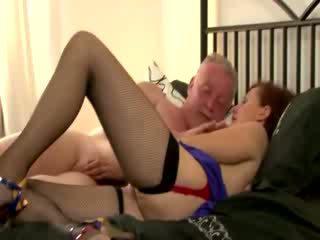 Slut serves pussy up for old guy