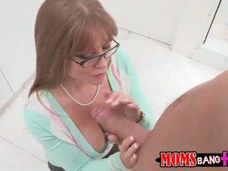 Seksi veliko oprsje mačeha darla crane gets ji rit zajebal
