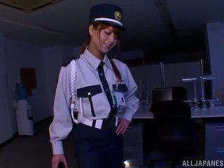 China policía donna gives impresionante paja de pies a un ladrona