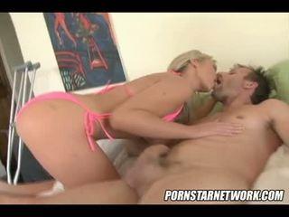 idealus blondinės, big boobs online, bet koks dideli papai