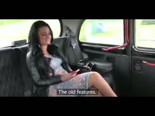 Láska creampie podvádzanie britské bucľaté pobehlica gets a pička plný na semeno v taxi