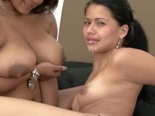 Lesbiyan breastfeeding pagtitipon, Libre pornograpya 64